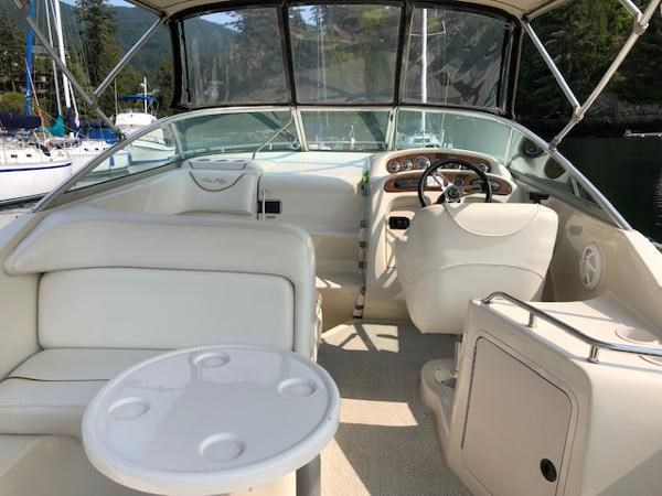 2000 Sea Ray 240 Sundancer Photo 7 of 33