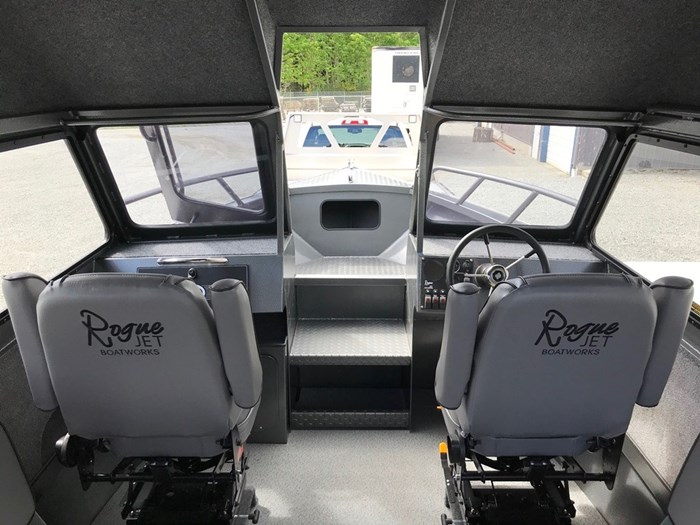 """2018 Rogue Jet Boatworks Coastal 23 HT Outboard Model - Grizzly"""" Photo 34 sur 46"""