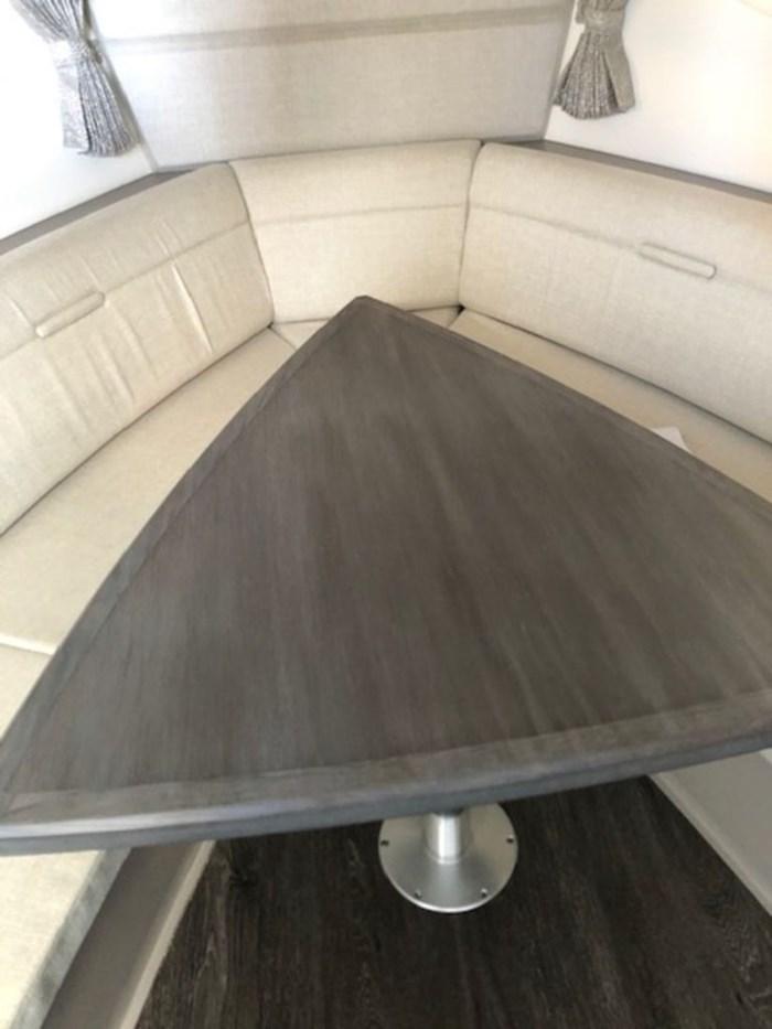2020 Sea Ray Sundancer 320 Outboard Photo 18 sur 27