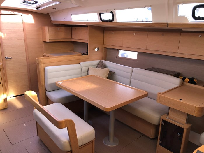 2016 Dufour Yachts Grand Large 460 Photo 14 of 37