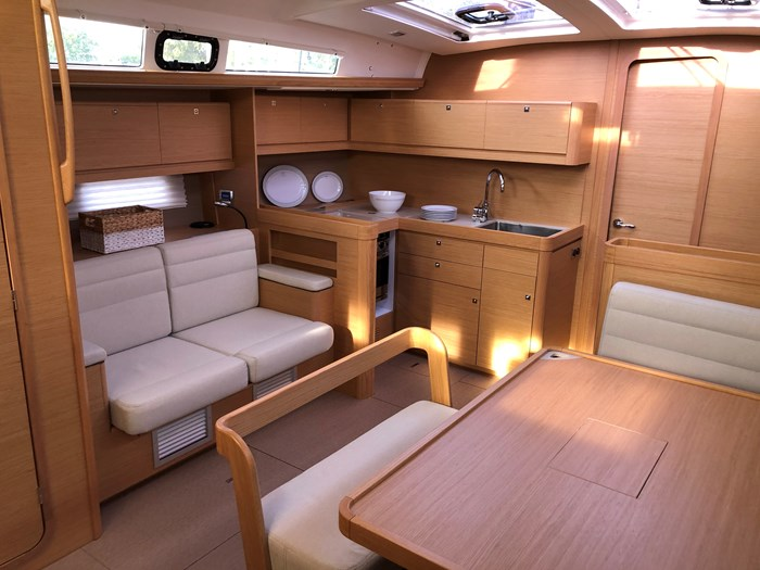 2016 Dufour Yachts Grand Large 460 Photo 15 of 37