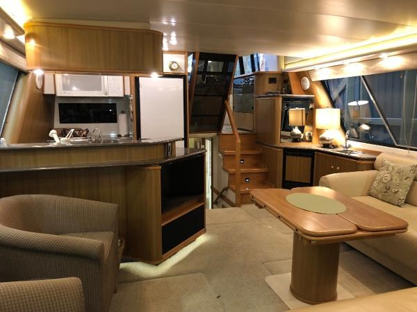 2000 Bayliner 4788 Pilot House Motoryacht Photo 5 of 40