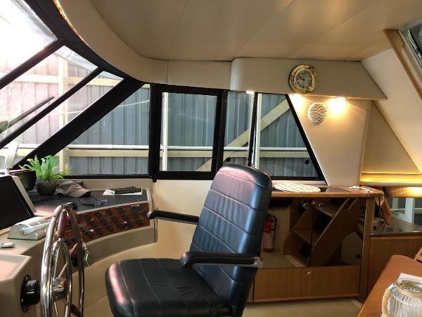 2000 Bayliner 4788 Pilot House Motoryacht Photo 14 of 40
