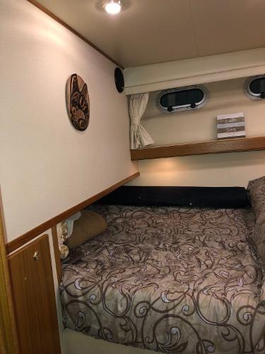 2000 Bayliner 4788 Pilot House Motoryacht Photo 22 of 40