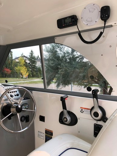 2007 Bayliner Discovery 246 EC Photo 4 of 14