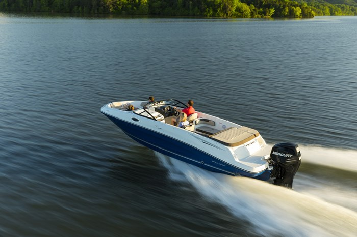 2021 Bayliner VR 6 Photo 1 of 27