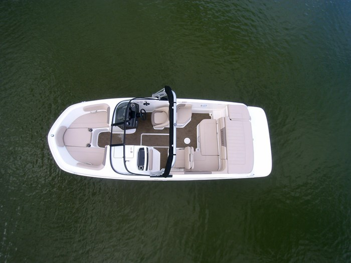 2021 Bayliner VR 6 Photo 5 sur 28