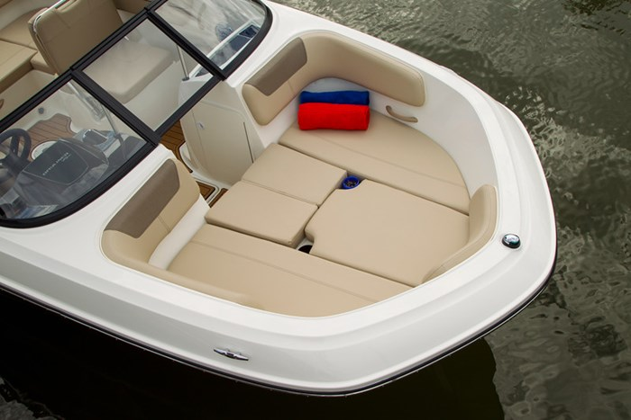2021 Bayliner VR 6 Photo 13 sur 28