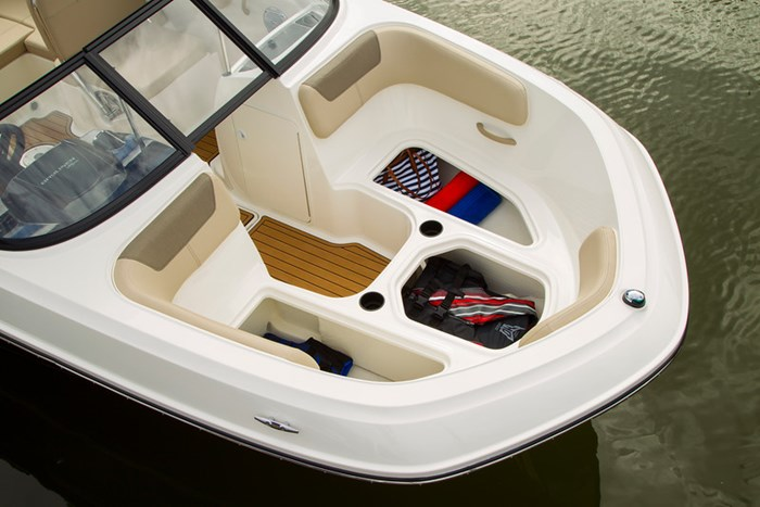 2021 Bayliner VR 6 Photo 14 sur 28