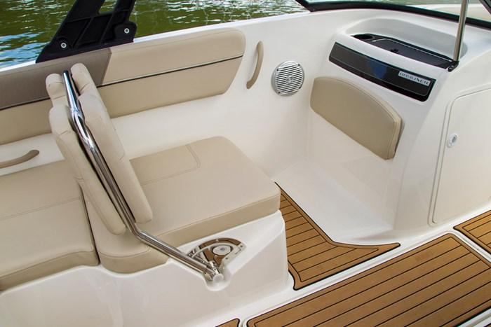 2021 Bayliner VR 6 Photo 17 sur 28