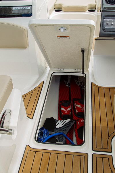 2021 Bayliner VR 6 Photo 23 sur 28