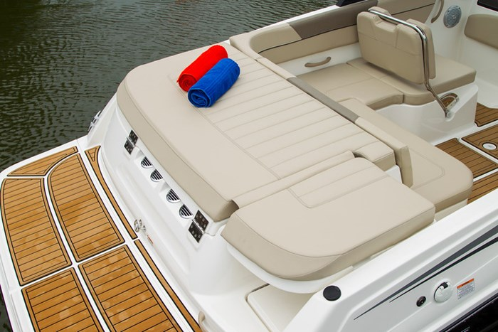 2021 Bayliner VR 6 Photo 25 sur 28