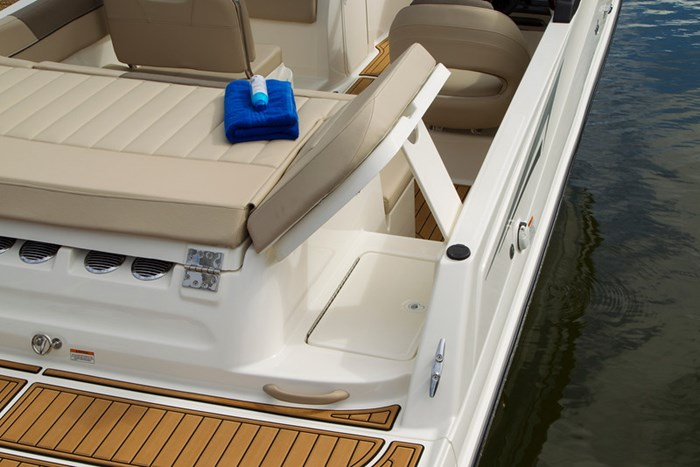 2021 Bayliner VR 6 Photo 26 sur 28