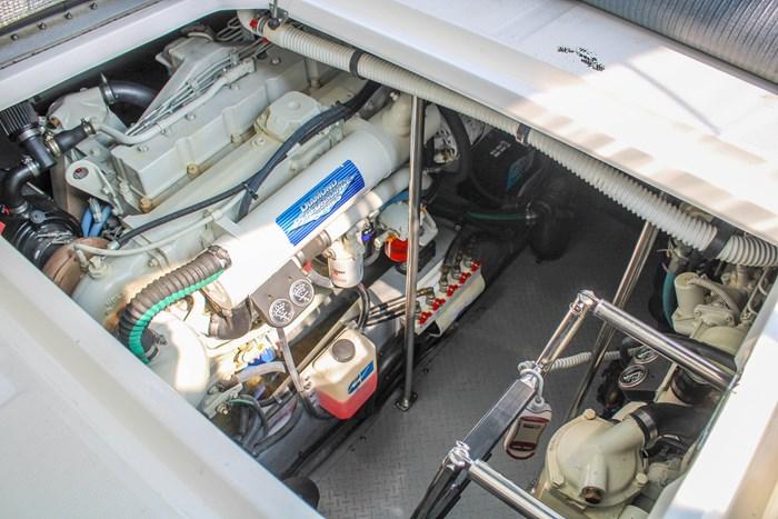 2001 Sea Ray 460 Sundancer Photo 165 of 177
