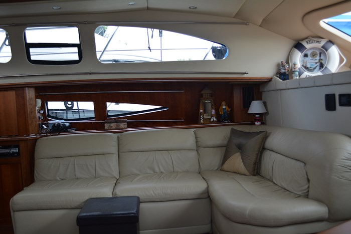 2007 CRUISERS YACHTS 455 Express MotorYacht Photo 10 of 62