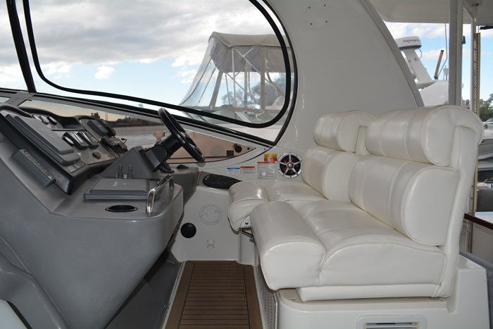 2007 CRUISERS YACHTS 455 Express MotorYacht Photo 52 of 62