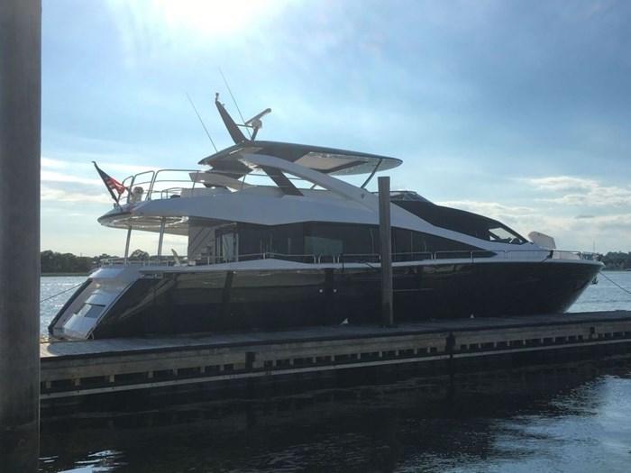 2017 Sunseeker Yacht Photo 2 of 37