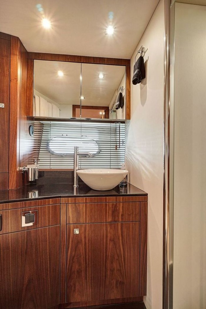 2014 Sunseeker Manhattan Photo 18 of 59