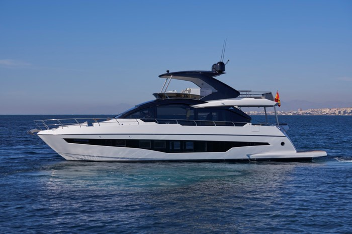 2020 Astondoa 66 Flybridge Photo 2 sur 90