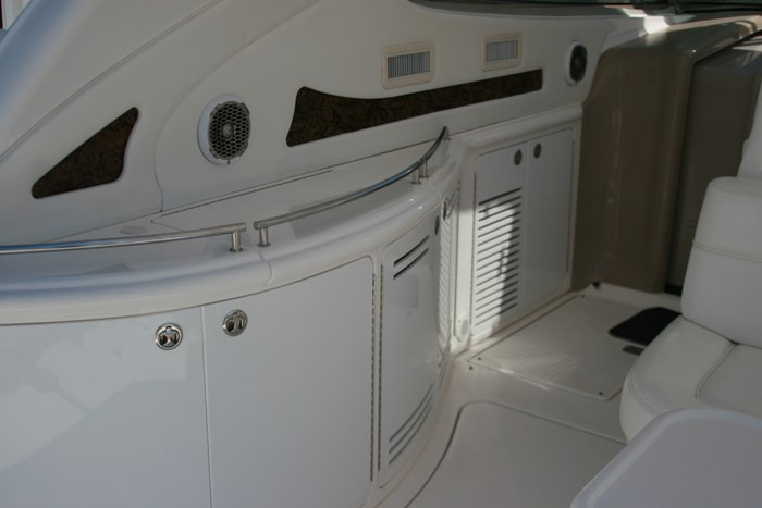 2002 Sea Ray 550 Sundancer Photo 9 sur 39