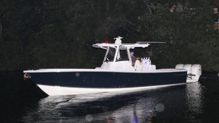 2020 Regulator Marine 34SS Photo 1 sur 41