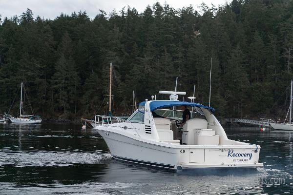1998 Sea Ray Express Cruiser Photo 27 sur 71