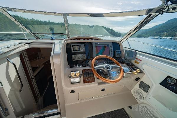 1998 Sea Ray Express Cruiser Photo 44 sur 71