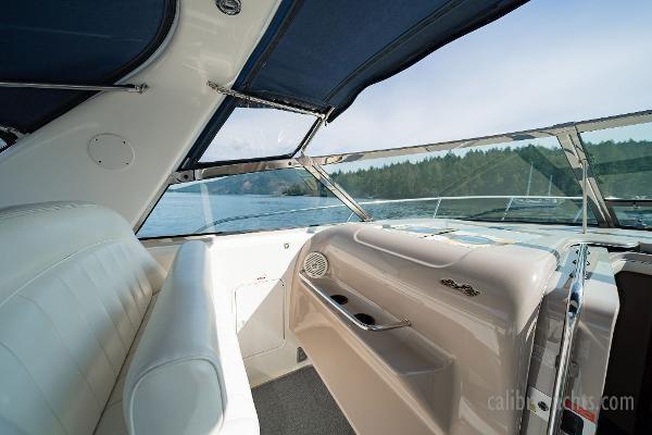 1998 Sea Ray Express Cruiser Photo 49 sur 71