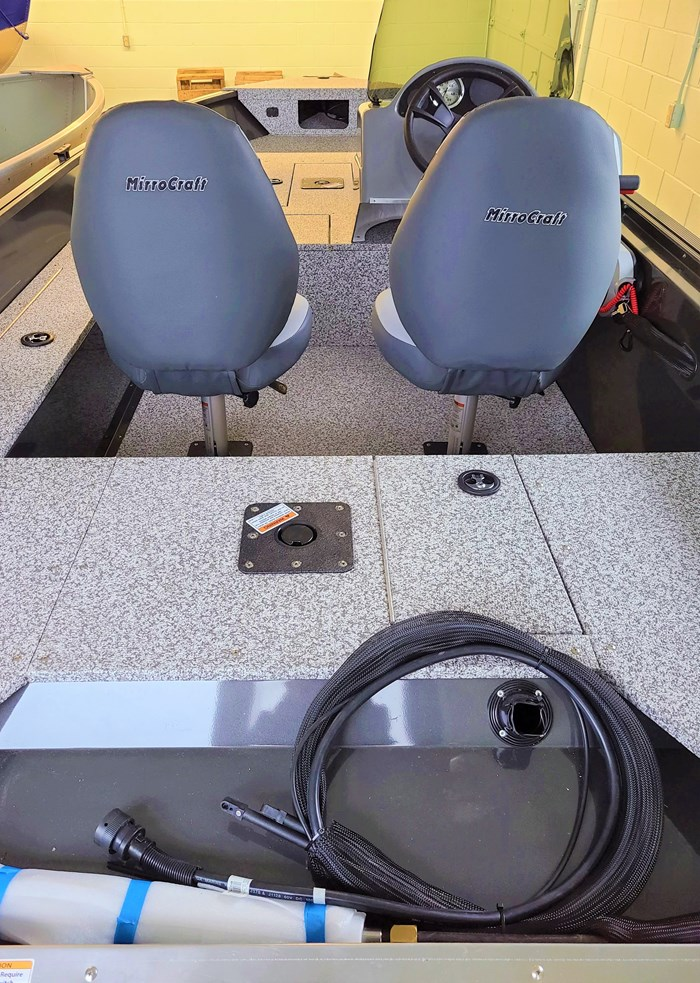 2021 MirroCraft Boat  Mercury Motor (Package) Outfitter Side Console 145SC-O - 20T - Blue Photo 7 of 21