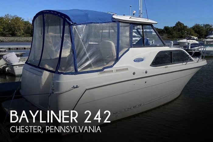 2005 Bayliner 242 Classic Photo 1 sur 20