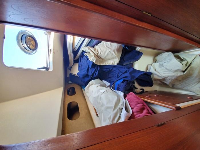 1986 CS Yachts 30 Photo 41 of 43