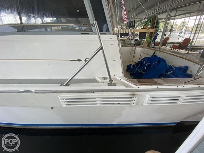 1989 Bayliner 3888 Motoryacht Photo 11 sur 20