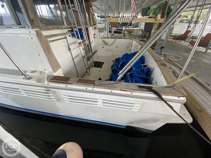 1989 Bayliner 3888 Motoryacht Photo 12 sur 20