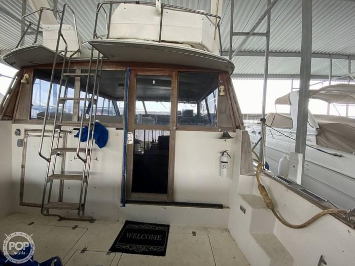 1989 Bayliner 3888 Motoryacht Photo 16 sur 20