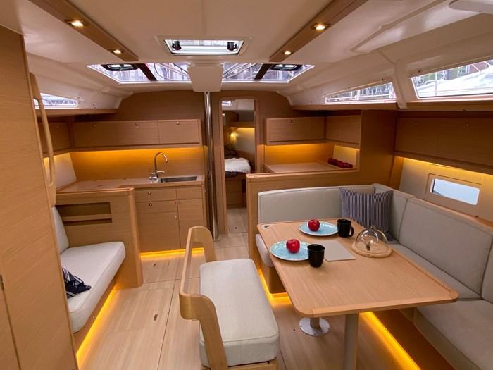 2020 Dufour Yachts 430 Grand Large Photo 10 sur 23