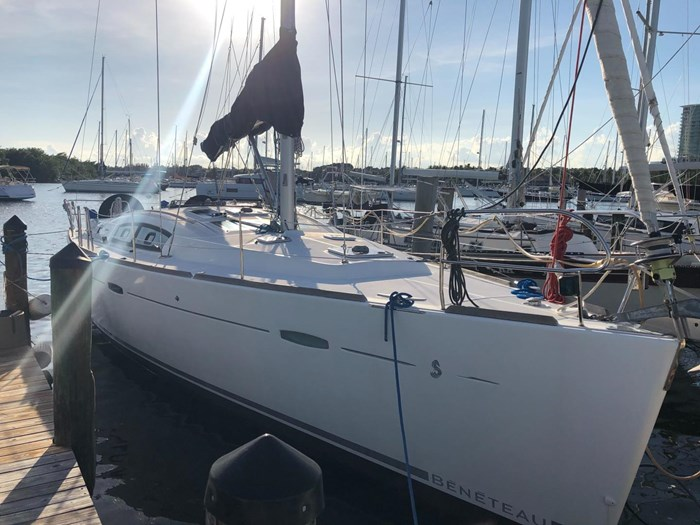2008 Beneteau Photo 6 sur 39