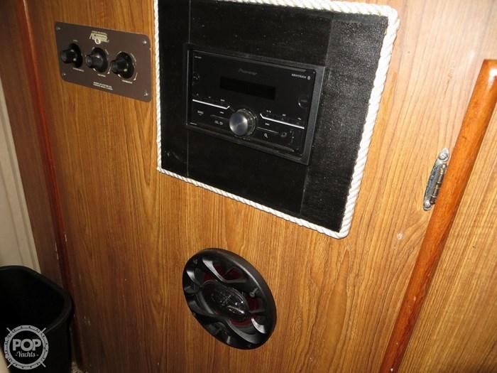 1987 Chris-Craft Catalina 381 Photo 19 of 20