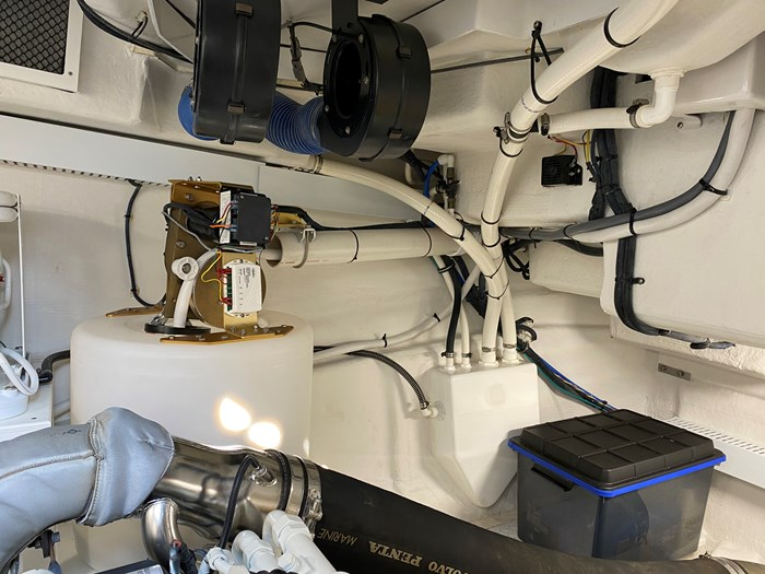 2017 Cruisers Yachts 54 Cantius Photo 72 of 73
