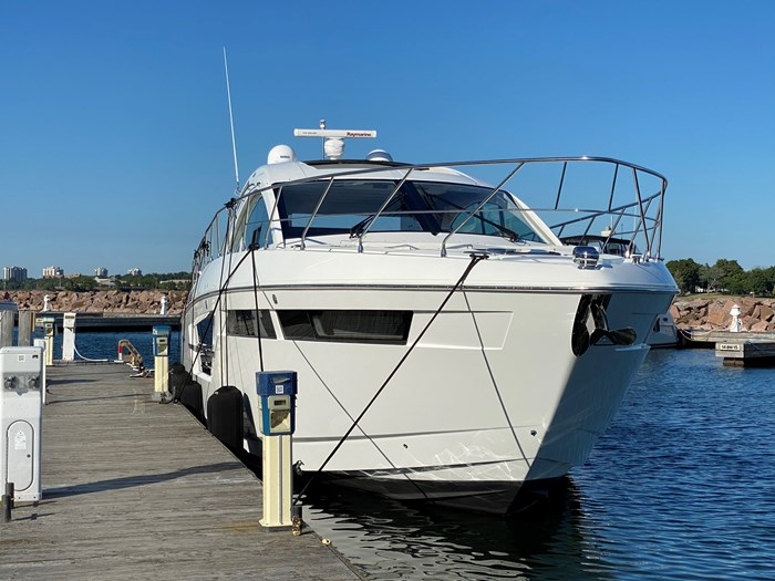 2017 Cruisers Yachts 54 Cantius Photo 9 of 73