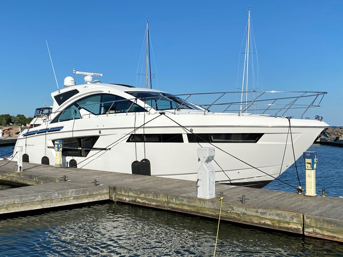 2017 Cruisers Yachts 54 Cantius Photo 1 of 73