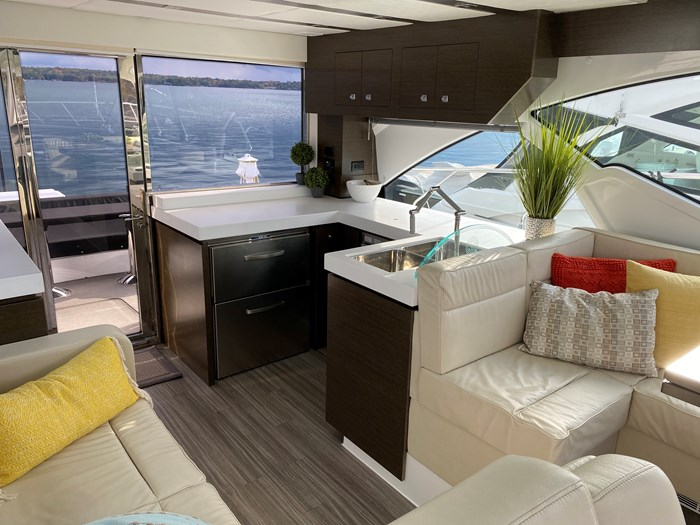 2017 Cruisers Yachts 54 Cantius Photo 30 of 73