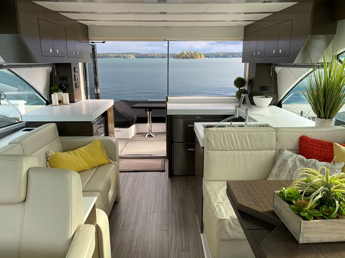 2017 Cruisers Yachts 54 Cantius Photo 37 of 73