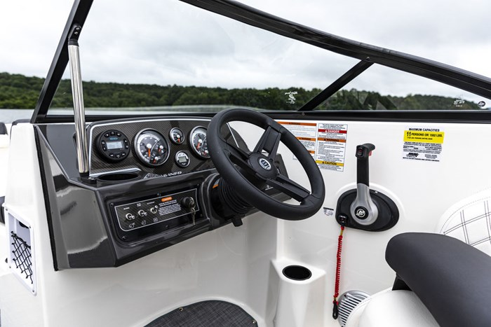 2021 Bayliner DX2250 Photo 7 sur 17
