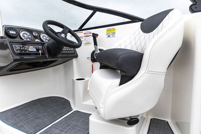 2021 Bayliner DX2250 Photo 10 sur 17