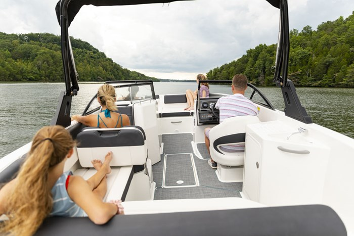2021 Bayliner DX2250 Photo 14 sur 17
