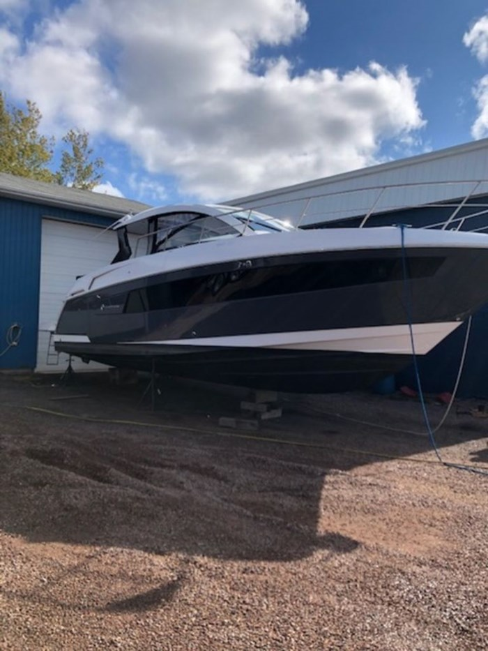 2021 Cruisers Yachts 39 Express Coupe Photo 5 sur 38