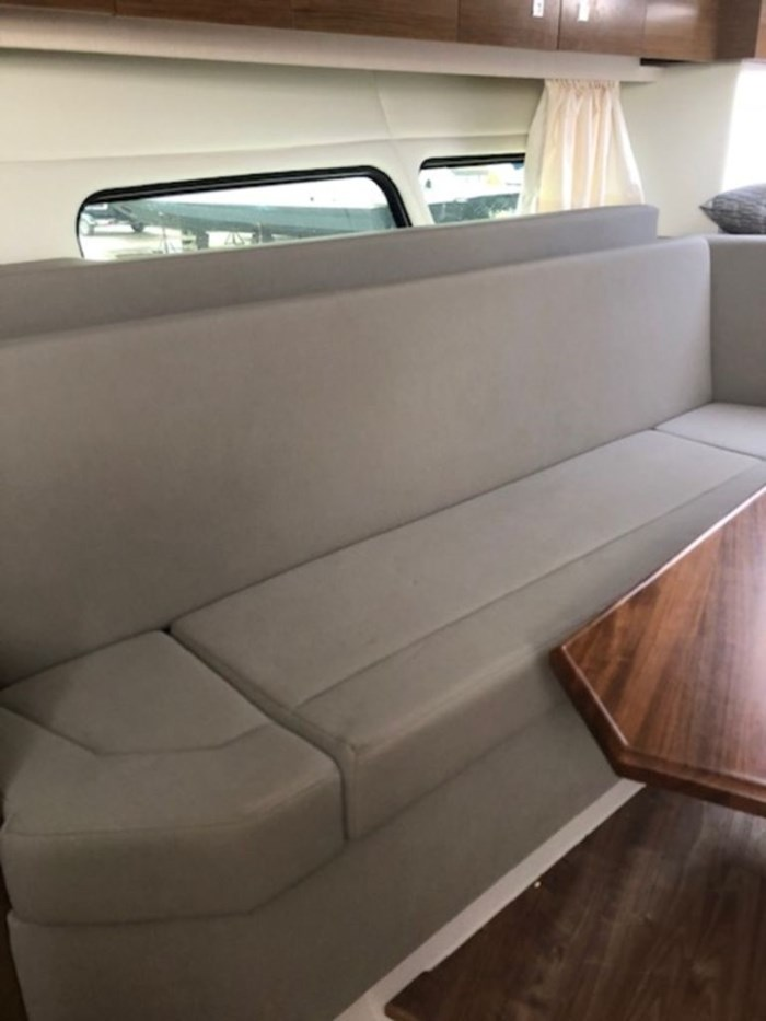 2021 Cruisers Yachts 39 Express Coupe Photo 24 sur 38