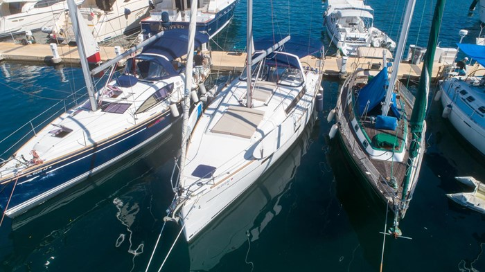 2013 Beneteau Oceanis Photo 4 sur 94