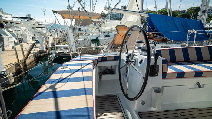 2013 Beneteau Oceanis Photo 11 sur 94