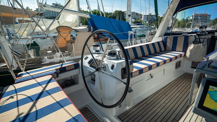 2013 Beneteau Oceanis Photo 12 sur 94